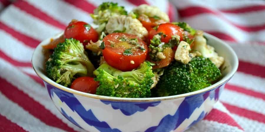 Σαλάτα με μπρόκολο και κουνουπίδι